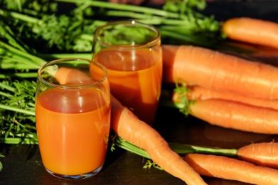 carrot-juice-1623157_1920